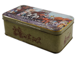 Vintage tin with horse and carriage in front of The Lion Inn
