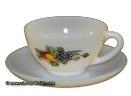 Tea cup or soup bowl Arcopal Fruits de France with white saucer