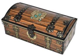 Boîte en métal vintage avec texture de bois et héraldique, armoiries