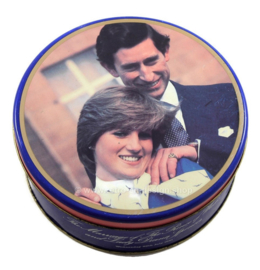 "Lata de galletas vintage ""Marriage Charles & Diana"" desde 1981"