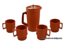 Vintage Tupperware set. Schenkkan + drinkbekers