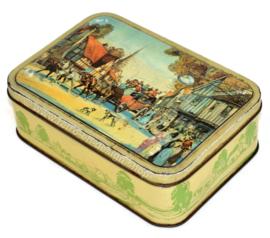 Vintage Blechdose, der eine Kutsche in einem Dorf darstellt