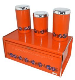 Papelera y contenedores de almacenamiento naranja, diseño Diana, marca Brabantia