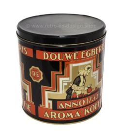 Ronde cilindrische blikken winkelvoorraadbus voor koffie van Douwe Egberts anno 1753 aroma koffie