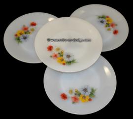 Arcopal France 'Anemones' dinner plate Ø 23 cm