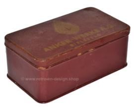 Boîte en fer blanc pour pièces de machine à coudre de Anker
