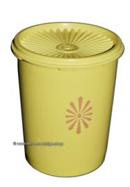 Vintage gele Tupperware trommel met zonnedeksel h. 17,3 cm.