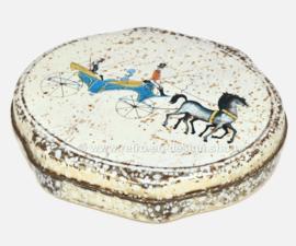 Caja vintage de hojalata festoneada ovalada para ALBERT HEIJN con la representación de un carruaje con caballos