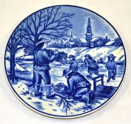 Delftware plate the four seasons 'Winter' (ice skating)