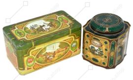 Ensemble de deux boîtes à thé vintage par Douwe Egberts pour le thé Pickwick avec des images de calèche, de chevaux et d'auberge