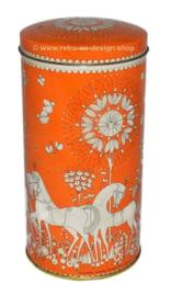 Vintage beschuitbus van Verkade, oranje met witte details
