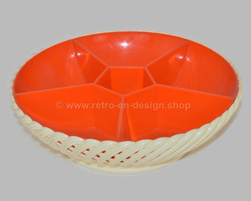 Vintage jaren 60 / 70 gevlochten plastic snackschaal van Emsa in wit en oranje