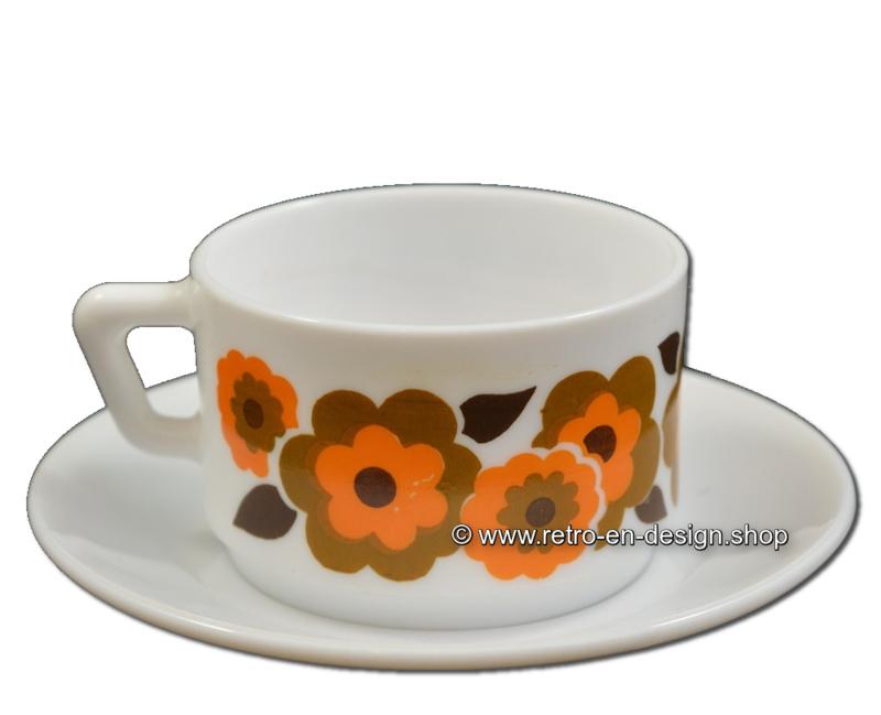 Vintage Arcopal France LOTUS koffiekop en schotel, Oranje/bruin