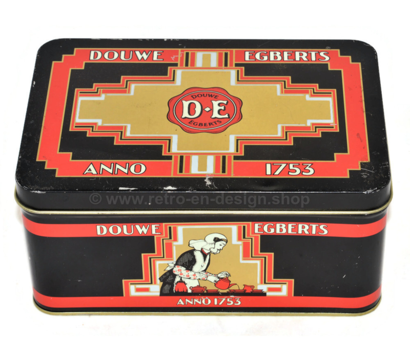 Vintage coffee tin made by Douwe Egberts. D.E. anno 1753