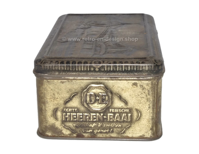 Black\silver colored embossed tin with Dutch landscape for HEEREN-BAAI by DOUWE EGBERTS