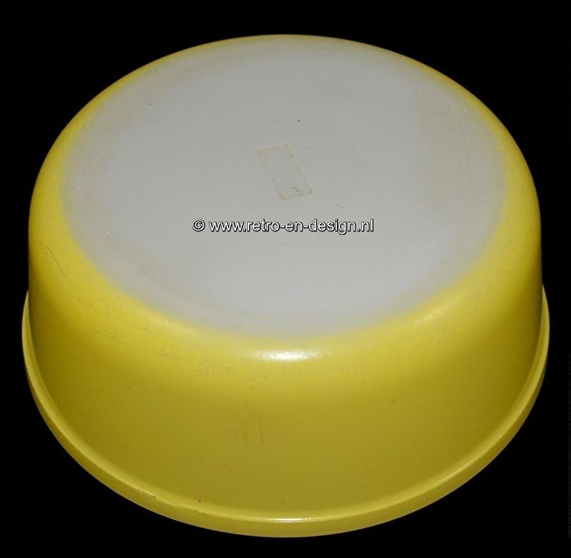 Arcopal France Opale, gele serveerschaal of kom