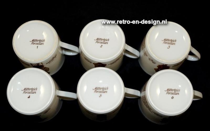 Coffee cups and saucers 'Clocks Dinnerware' by Nutroma