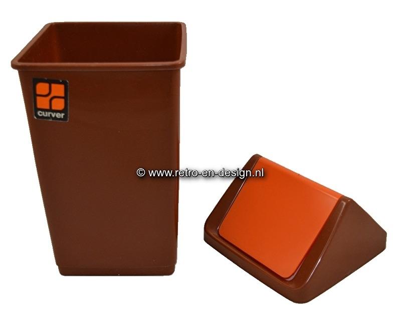 Vintage 70s 'Swing' plastic trashcan, Curver. Brown, orange