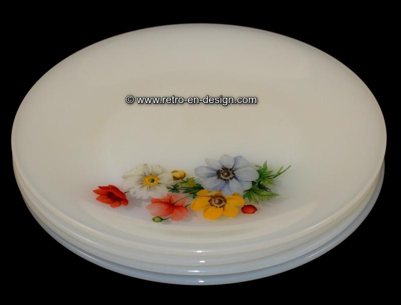 Arcopal France 'Anemones' dinerborden Ø 23 cm