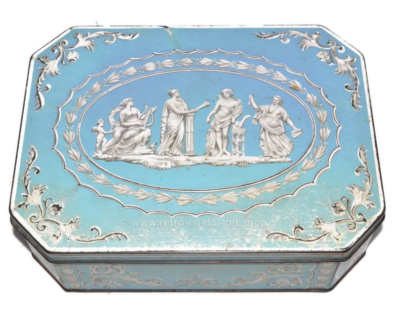 Vintage Huntley & Palmers Wedgwood biscuit tin (1950s/1960s)