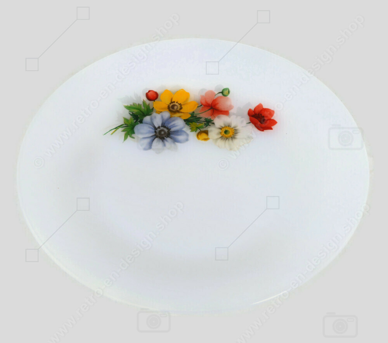 """Vintage dinner plate with floral pattern """"Anemones"""" from Arcopal France"""