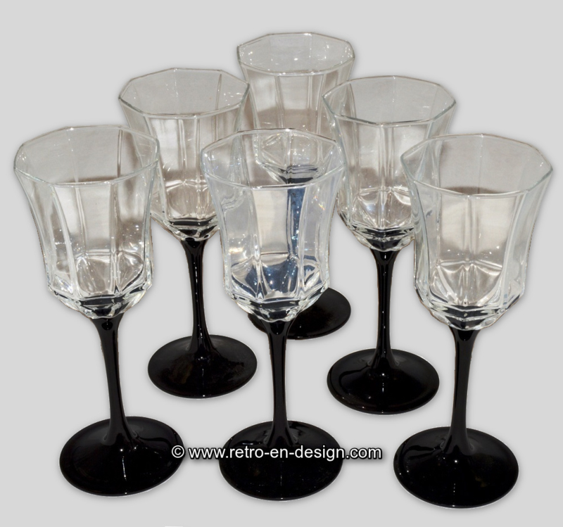 Vintage Arcoroc Octime Wine glass on a black stem
