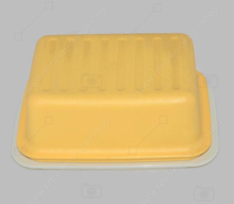 Plato de mantequilla Tupperware vintage con tapa amarilla y fondo blanco