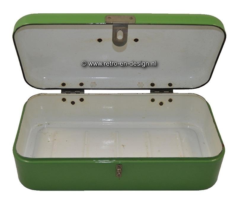 Enamel bread box in Reseda green