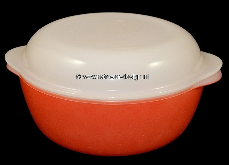 Arcopal France Opale, Red baking dish with white cover