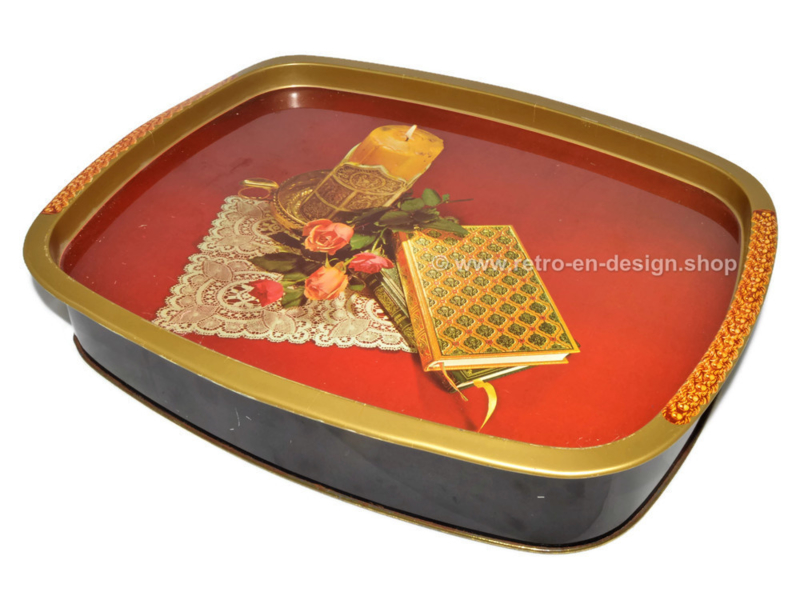 Vintage cookie tin with lid which also can be used as tray