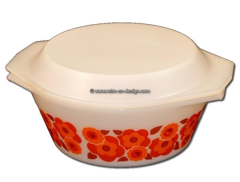 Vintage Arcopal Lotus ovendish or casserole