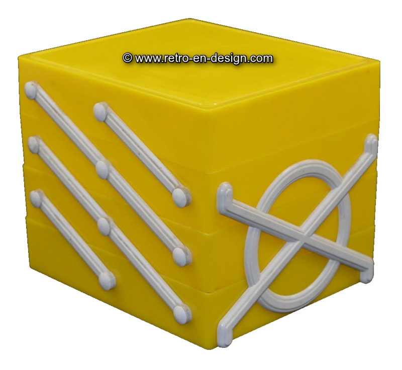 Plastic cube, foldable storage box