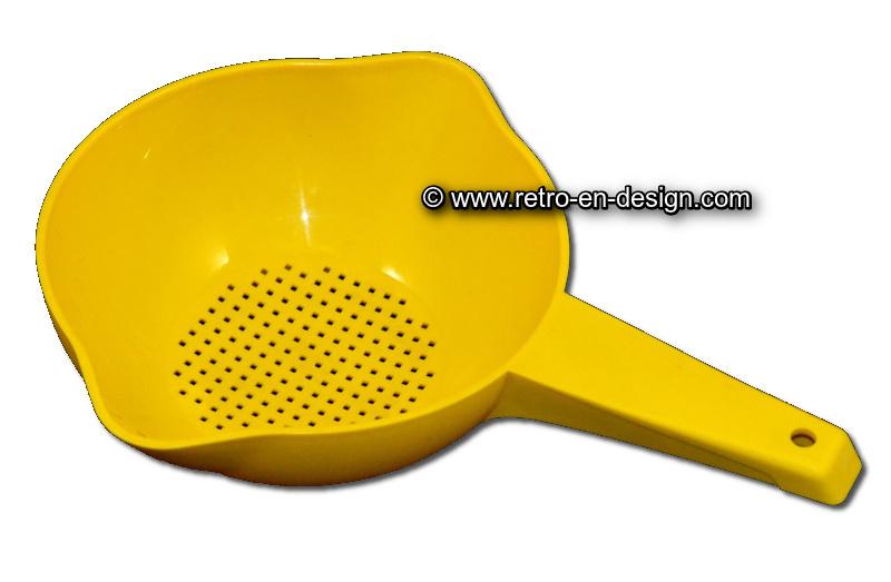 Vintage Tupperware zeef/vergiet met steel en dubbele schenkmond in geel
