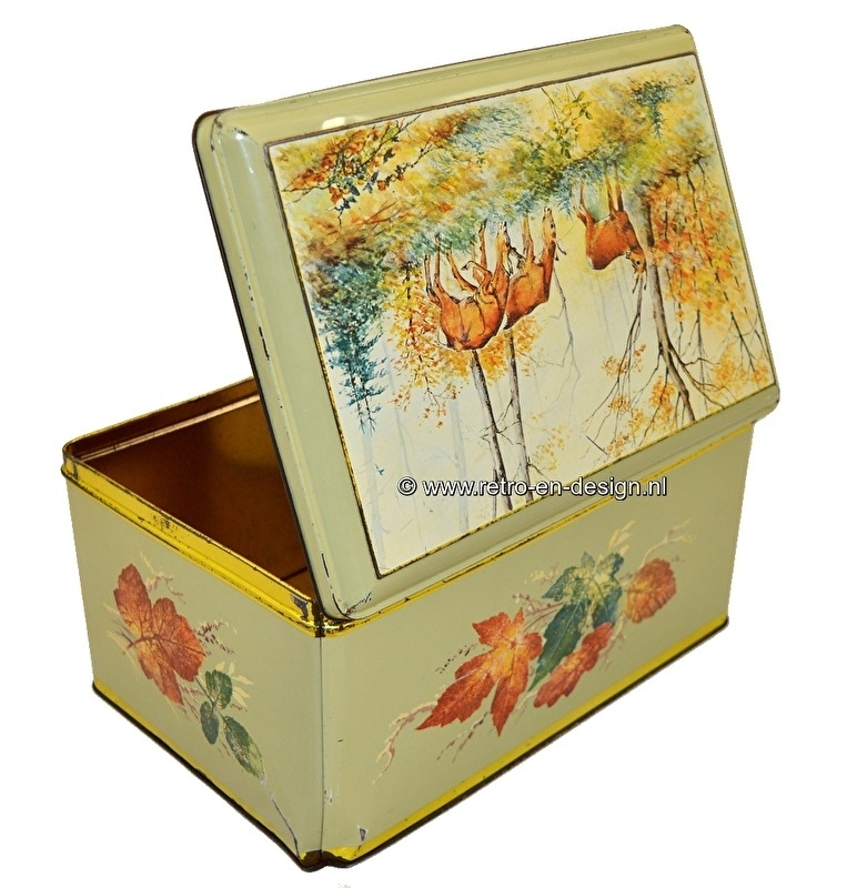 Large bric-a-brac tin with image of deer in the woods