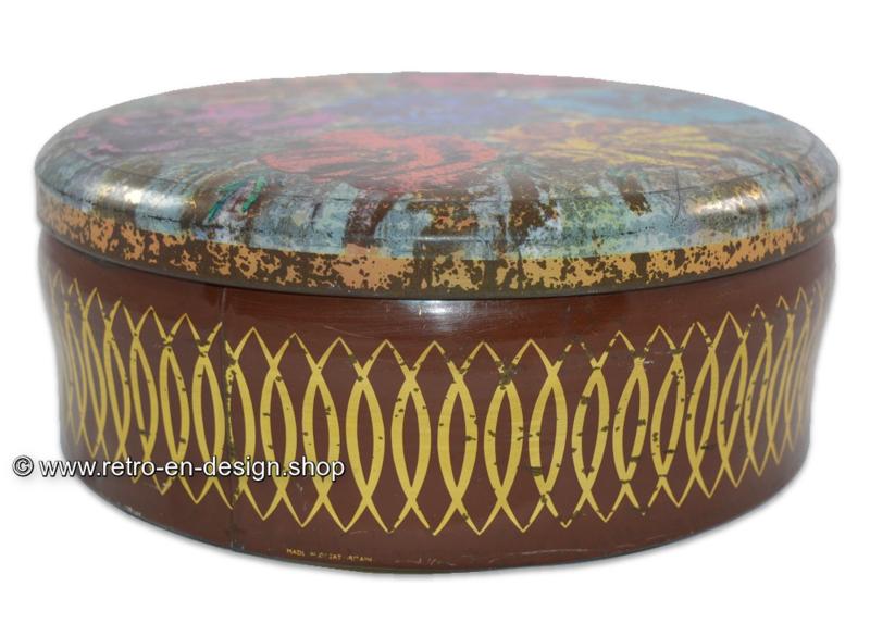 Round vintage tin cookie drum, made in Great Britain