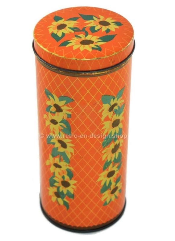 Vintage oranje geruite bus met zonnebloemen voor VERKADE biskovite Zaandam