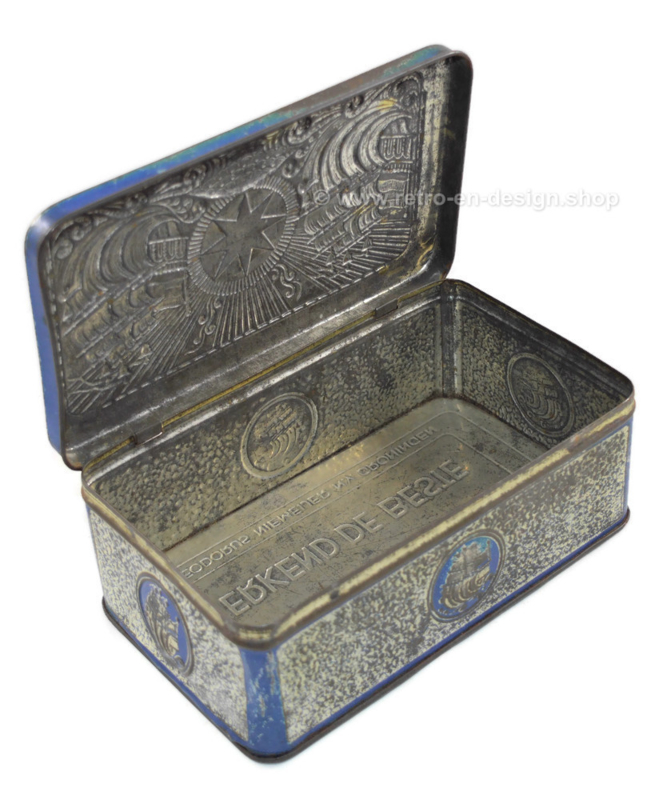 Blikken tabaksdoos in blauw/zilver met relief van schepen voor ster-tabak van Niemeijer
