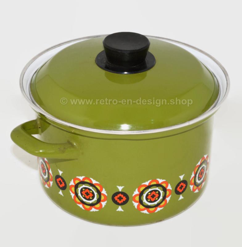Vintage 1970's stock pot, green with orange details