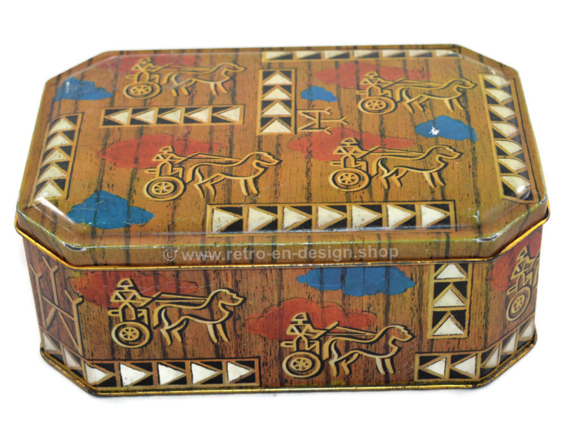 Tin box with images of stylized chariots