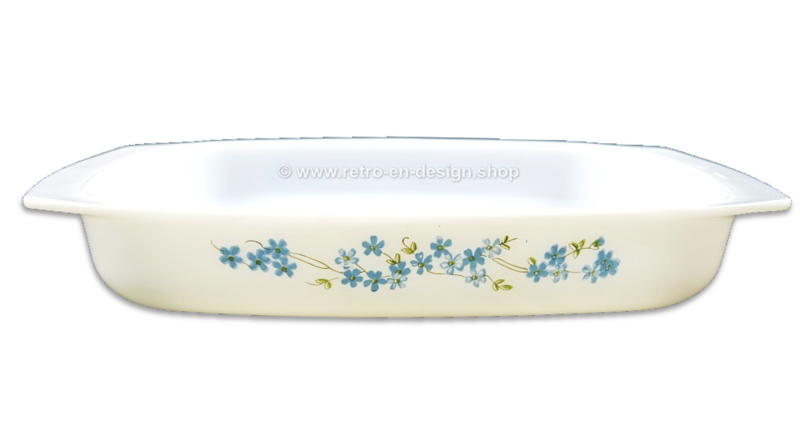 Arcopal France oven dish with Veronica, Myosotis pattern
