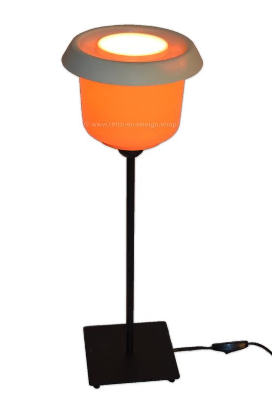 """Batter"" Retro-Vintage Tupperware tafellamp in oranje-wit"