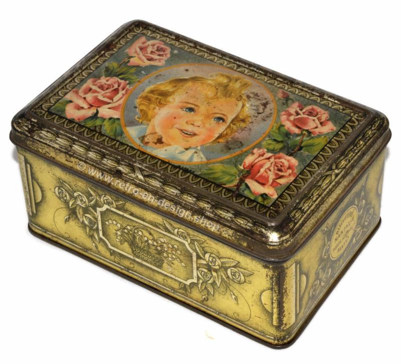 Lata vintage La Biscuiterie Nantaise con una niña y rosas en la tapa