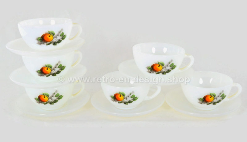 Arcopal Fruits de France Espresso cup with apple pattern and white  saucer