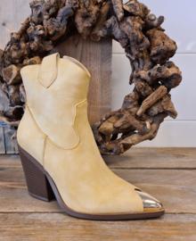 beige cowboyboots