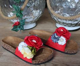 Pantoufles rouges fleur