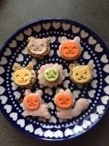 uitstekers vrolijke dieren met gezichtjes
