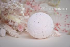 Bruisballen roze met rozenblaadjes