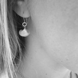 Ear-hooks Sealife hartschelp zilver