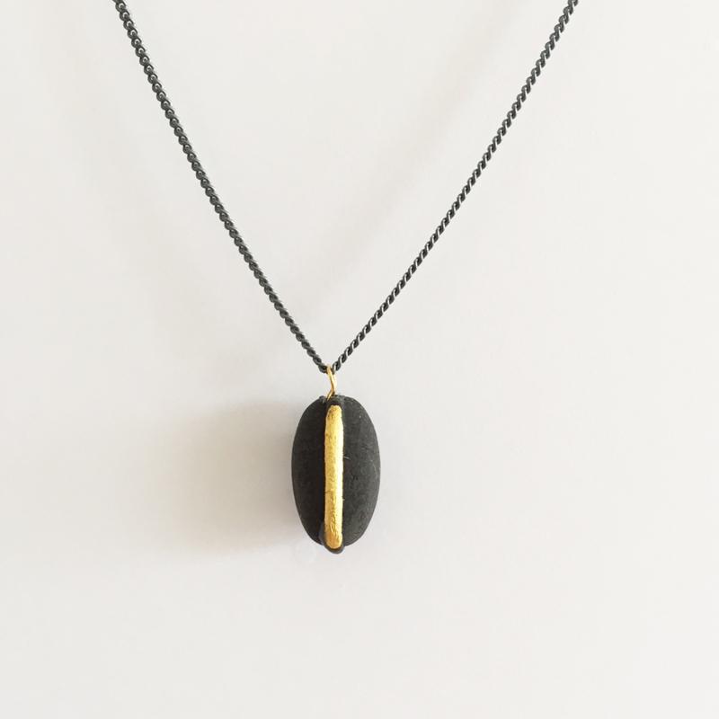 Lucky Bean -  black gold