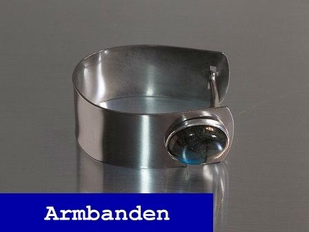 Blue stone armband